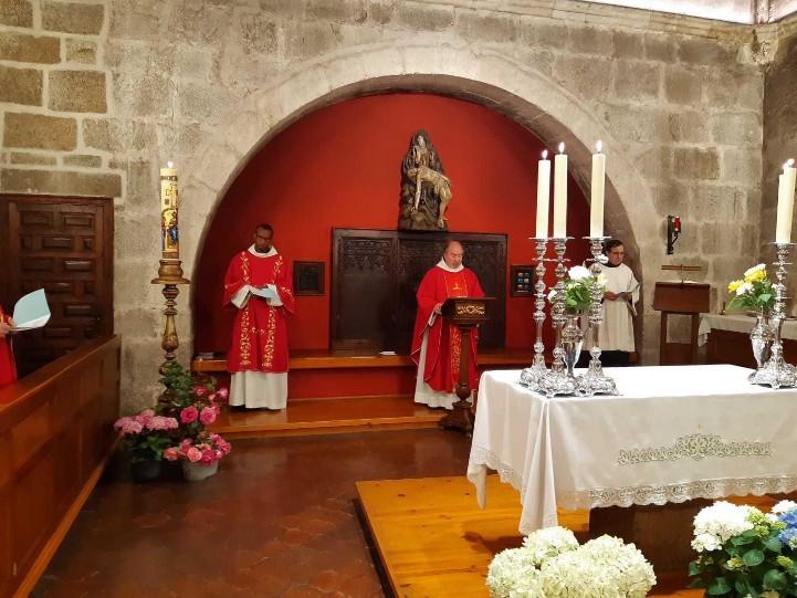 """Cantando la Secuencia """"Veni Sancte Spiritus"""""""