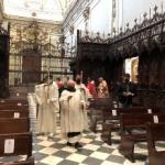 Entrada a la Iglesia en procesión